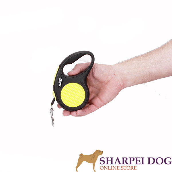 Convenient Handle on Dog Retractable Leash for Daily walking