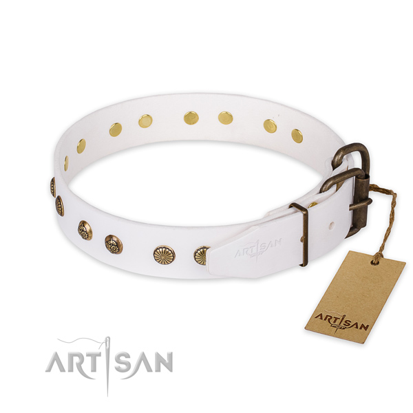 Reliable fittings on full grain leather collar for your impressive four-legged friend