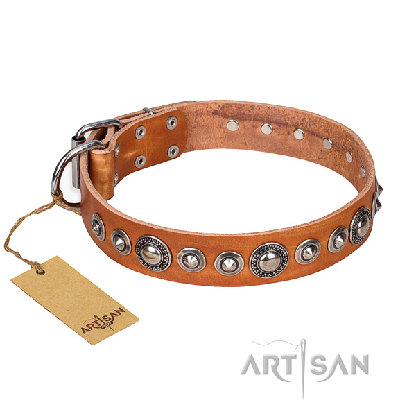 Genuine leather dog collar made of top rate material with strong buckle