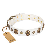 """Fatal Beauty"" FDT Artisan White Leather Sharpei Collar with Old Bronze-like Studs and Oval Brooches"